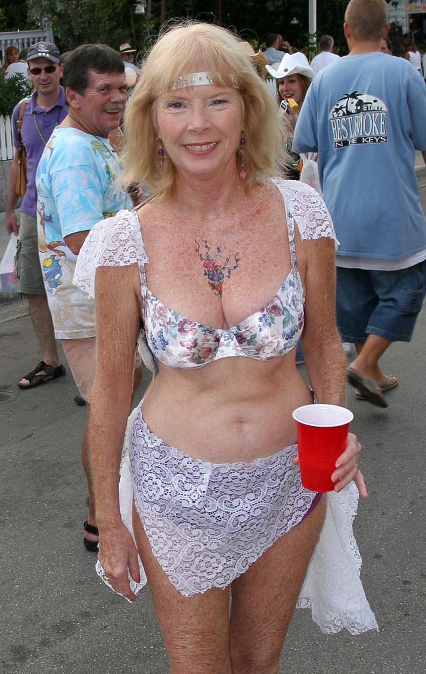 Granny nude pics erotic videos